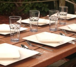 sample of the reusable table setting